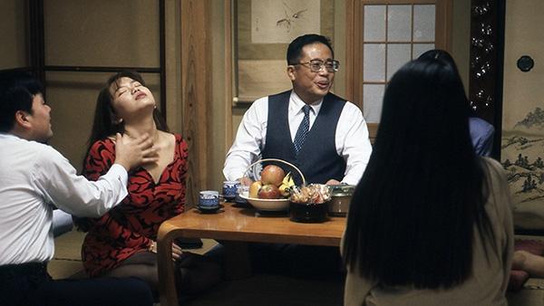 肉体の派閥 ~熟女六人ハダカのおつきあい~[R15+]