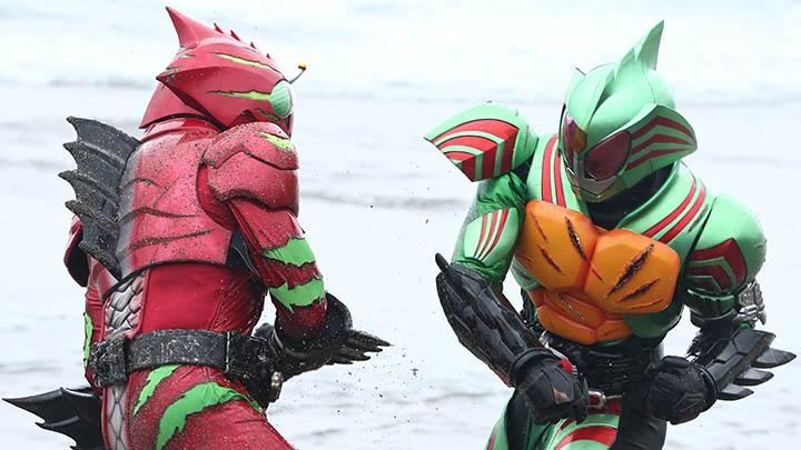 話題の異色作『仮面ライダーアマゾンズ』配信オリジナルバージョンを2か月連続TV初放送!!